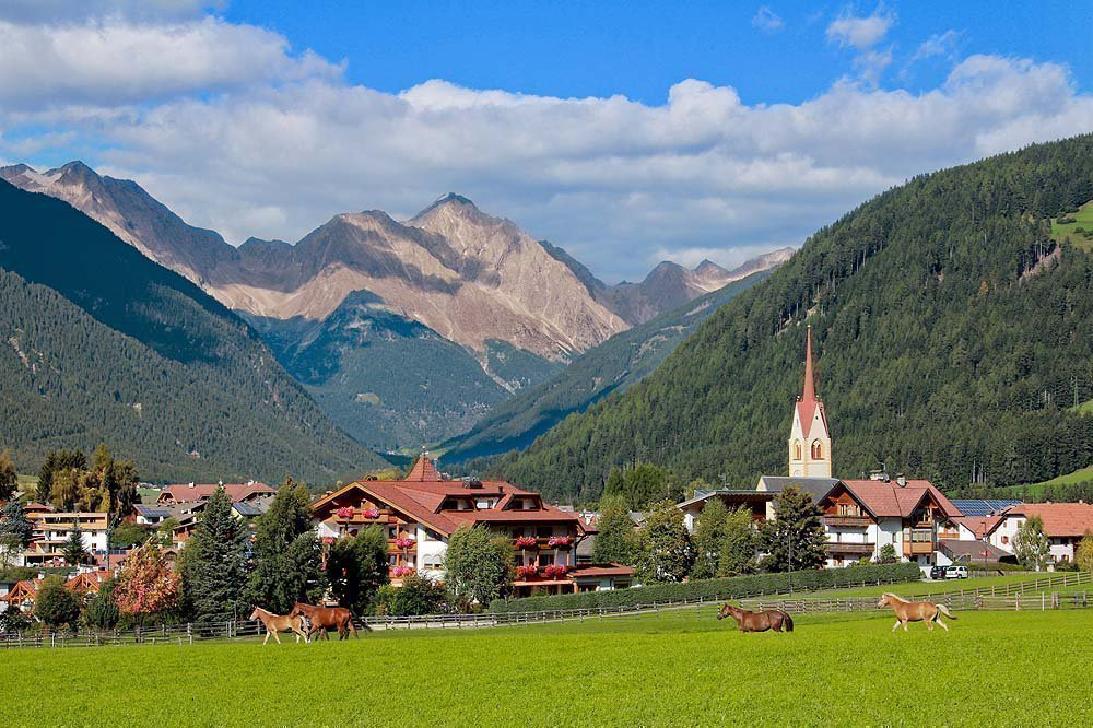 Holidays at the Plan de Corones in the beautiful South Tyrolean summer